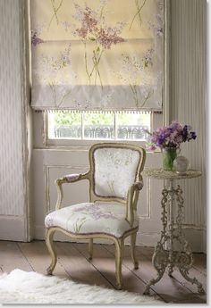 Ana Rosa - OH!! - I LOVE THIS GORGEOUS LITTLE CORNER!! THE BLIND IS SO PRETTY AND A PERFECT MATCH!!