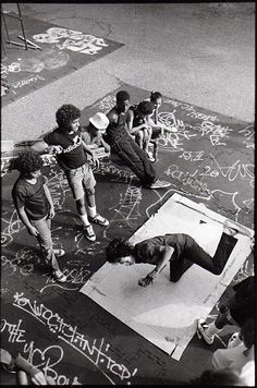 i love the cardboard box.. i wish we could session outside like this one day..