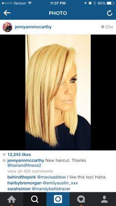 Jenny McCarthy beautiful blonde bob haircut with lowlights Blonde Bob Haircut, Blonde Hair, Jenny Mccarthy Hair, Straight Hairstyles, Cool Hairstyles, Hair Flow, Lilac Hair, New Haircuts, Curly Hair Styles