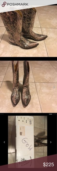 Old Gringo Women's Boots, Gold, Sz 8 Fabulous pair of Old Gringo cowboy boots. The boots have a pink and brown undertone with luxurious gold all over. I paid $419 for these and have worn them 3 times. These boots deserve more love than that! Enjoy ;-) Old Gringo Shoes Heeled Boots