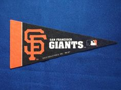 Mini Banderín San Francisco Giants Nuevo $ 49 Mini Banderín de los San Francisco Giants, equipo del beisbol de las Grandes Ligas (MLB). Modelo: San Francisco Giants Marca: Rico Industries Medidas aproximadas: 10 x 23 cms (ancho x alto) San Francisco Giants, Mini, Company Logo, Model, Beige, Sports