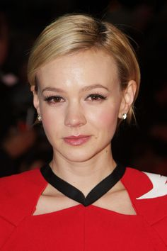 Carey Mulligan Side Parted Straight Cut    Carey Mulligan attended the 2012 London Film Critics' Circle Awards wearing her short cut super-sleek and with a side part.