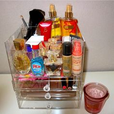 The YOSMO Block fits so much beauty products. Nicely organized with a deep top lid and a special brush holder.
