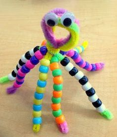 Traveling, Teaching, Cooking, Creating: O is for octopus fine motor skills craft for ocean theme. Octopus Crafts, Ocean Crafts, Dinosaur Crafts, Ocean Themed Crafts, Arts And Crafts Movement, Letter O Crafts, Art And Craft Videos, Pipe Cleaner Crafts, Camping Crafts
