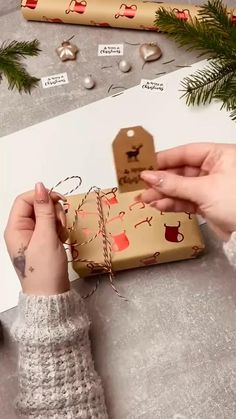 gift box packaging idea to try at home Creative Gift Wrapping, Creative Gifts, Gift Box Packaging, Creative Gift Packaging, Christmas Gift Wrapping, Christmas Gifts, Holiday, Diy Crafts For Gifts, Paper Crafts