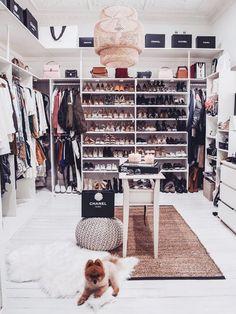 Wardrobe closet organization declutter ideas for 2019 Dressing Room Closet, Wardrobe Closet, Closet Bedroom, Bedroom Decor, Closet Mirror, Dressing Rooms, Closet Space, Bedroom Ideas, Sala Glam