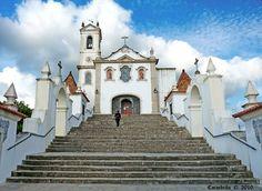 Igreja de Santo António dos Olivais em Coimbra tem uma bela sacristia   A Igreja de Santo António dos Olivais ficou a ocupar sensivelmente o espaço que actualmente tem.