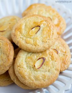 The perfect little crisp almond cookies for Chinese New Year!