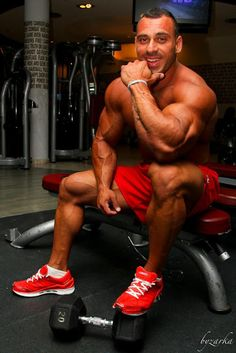C'mon Muscle Bros, let's all get bigger. Always down to talk about muscle, muscle, and more muscle. Fit Men Bodies, Train Insane Or Remain The Same, Athletic Body, Big Guys, Gym Motivation, Healthy Lifestyle, Bodybuilding, Abs, Muscle