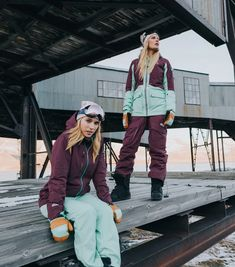 The Ultimate Sustainable Winter & Ski Layering Guide - Weekendbee - sustainable sportswear Lifelong Friends, Skiing, Organic Cotton, Sportswear, Recycling, Jackets For Women, How To Apply, Insulation, Zippers