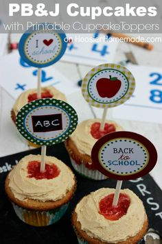 Peanut Butter & Jelly Cupcakes with FREE Printable School Cupcake Toppers :: Recipe + Toppers available on HoosierHomemade.com #BacktoSchool #Cupcakes