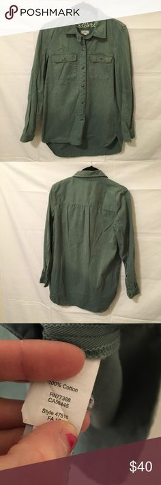 Madewell Green Denim Button Down Shirt Blouse Madewell Green Button Down Blouse- Collared and has buttons on either Sleeve ends. Is sort of dip dyed and is darker towards the bottom of the Shift. Made from cotton and is in good used condition ! Madewell Tops Button Down Shirts