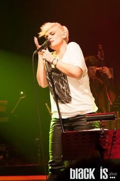 https://www.facebook.com/blackisalive/photos/a.475416345837914.106348.464603523585863/475420175837531/?type=1 Θεσσαλονίκη 29/12/2012 #eleonorazouganeli #eleonorazouganelh #zouganeli #zouganelh #zoyganeli #zoyganelh #elews #elewsofficial #elewsofficialfanclub #fanclub