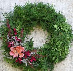 dušičky 6 / Zboží prodejce Flowers and Christmas Wreaths, Christmas Crafts, Christmas Decorations, Altar Flowers, Grave Decorations, Christmas Table Centerpieces, All Souls Day, Funeral Flowers, Wreath Crafts