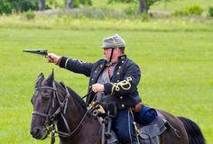 Confederate cavalry Gettysburg American Indian Wars, American Civil War, American History, Civil Wars, Western Movies, Le Far West, Male Poses, Gettysburg, Warfare