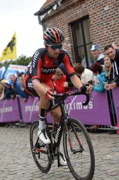 54 km to go: Taylor Phinney (Bmc) leading the reduced break on Old Kwaremont. He ended up 40th + 4:12.