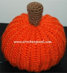 This gal has lots of wonderful patterns and SHARES them! Give her a look, this pumpkin is adorable!