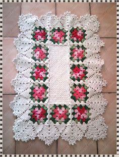 """Meu Cantinho: """"Tapete Flor com Squares de Crochê"""""""