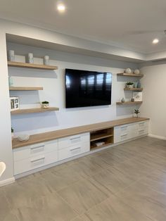 Built In Shelves Living Room, Living Room Wall Units, Living Room Tv Unit Designs, Living Room Storage, Home Living Room, Living Room Decor, Built In Tv Wall Unit, Built In Entertainment Center, Basement Makeover