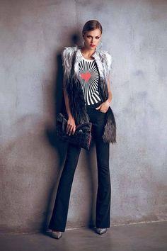 Chaleco pelo ecológico y camiseta de corazón Denny Rose. Colección Otoño 2014.