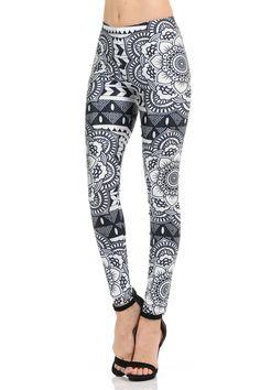 Don't you love these trendy Monochrome Tribal Mandala Leggings? We sure do! Black Leggings Outfit, Tribal Leggings, Black And White Leggings, Black And White Fabric, Legging Outfits, India Fashion, Japan Fashion, New Fashion, Street Fashion