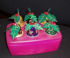 sino natal capsula nespresso - Pesquisa Google Christmas Crafts, Christmas Ornaments, Theme Noel, Recycled Crafts, Xmas Decorations, Creations, Holiday Decor, Diy, Kindergarten