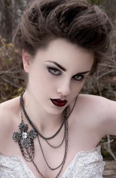 gothic-makeup