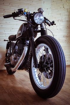 Yamaha SR 500 front