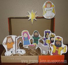 Printable Nativity Sets -- Mia would love this. Put magnets on the back and she could use it on the fridge and dry erase board.