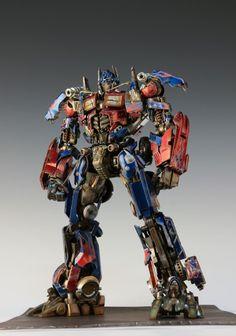 Check out the latest Gunpla Gundam News here. Transformers Cybertron, Transformers Optimus Prime, Origami Koi Fish, Figure Photo, Fantasy Character Design, Cool Lego, Conan, Statues, Robot
