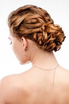 Hochsteckfrisuren für lange und mittellange Haare