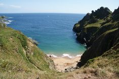 Gammons Head Beach, East Prawl, we climbed it!