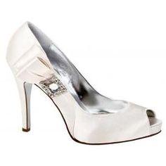 Martinez Valero Orli Wedding Shoes @ http://www.fresnoweddings.net/candy.html?m=product=078522=009190