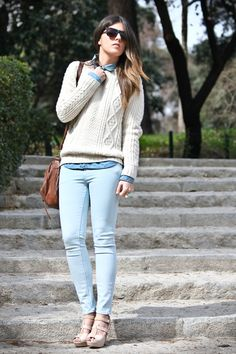 Sweaters and boots with pastel denim