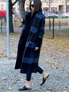 streetstyle blogger girl karierter übergrosser wollmantel karomuster wintermantel