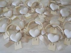 Farfalle e confetti Wedding Gifts For Guests, Wedding Favours, Wedding Cards, Diy Wedding, Party Favors, Homemade Christmas Gifts, Home Made Soap, Diy And Crafts, Wedding Decorations
