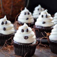 Easy Halloween Ghost Carrot Cupcakes