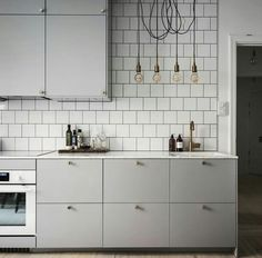 Wohnen: Die graue Küche - amazed Living: The gray kitchen - amazed Apartment Kitchen, Living Room Kitchen, New Kitchen, Kitchen Interior, Kitchen Decor, Kitchen Ideas, Kitchen Walls, Decorating Kitchen, Awesome Kitchen