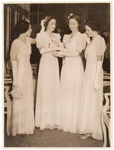 Debutantes, Sydney, 1930's