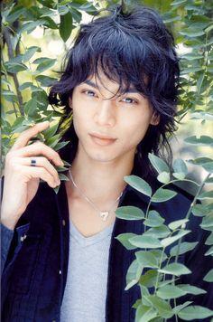 Picture of Hiro Mizushima Japanese Drama, Japanese Boy, Hot Asian Men, Asian Boys, Handsome Actors, Handsome Boys, Hiro Mizushima, Hiro Nakamura, Kento Nakajima