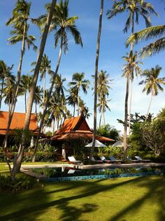 This beautiful authentic Ayutthaya-style house is ideal for families or friends to enjoy a luxury secluded holiday at Ban Sairee (Laem Sor, Koh Samui)