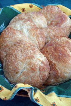 Rowies (croissants ronds écossais) Pains, Pudding, Bread, Desserts, Food, French Dip Crescents, Scottish Recipes, English Cuisine, Pastries