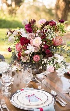 The tablescapes of reds, pinks and white were just dramatic