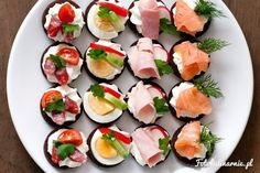 original_title] – monika Perfect finger food, party food with cottage cheese on pumpernickel. (in Polish) Perfect finger food, party food with cottage cheese on pumpernickel. (in Polish) Meat Appetizers, Appetizers For Party, Appetizer Recipes, Party Finger Foods, Snacks Für Party, Party Food Buffet, Graduation Party Foods, Food Platters, Cooking Recipes