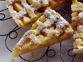 Omrzel vás štrúdl? Recepty na koláče z jablek z celé Evropy - iDNES.cz Waffles, Breakfast, Food, Morning Coffee, Essen, Waffle, Meals, Yemek, Eten