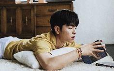 It's really hard not to save every pic of Junhoe I find, because he's so damn handsome like. Jooheon, Winwin, Ikon Member, Winner Ikon, Koo Jun Hoe, Kim Jinhwan, Ikon Wallpaper, Soft Heart, Korean Artist