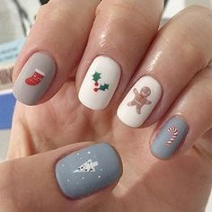 Christmas Gel Nails, Xmas Nail Art, Christmas Nail Art Designs, Winter Nail Designs, Holiday Nails, Glitter Gel Nails, Fall Acrylic Nails, Finger, Manicure