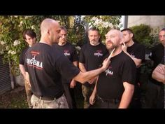 """Systema principle """"who come to us with a sword, by the sword will die"""" Kung Fu Techniques, Self Defense Techniques, Self Defense Moves, Krav Maga Self Defense, Alabama Wallpaper, Hand To Hand Combat, Martial Arts Training, Girl Tips, Pressure Points"""