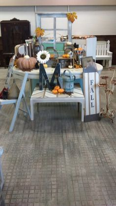 Fall Display Table Dizzy Miss Lizzie, South Glens Falls Ny