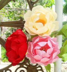 Gorgeous and easy crepe paper peonies - spring decor // Gyönyörű és egyszerű pünkösdi rózsák krepp papírból // Mindy - craft tutorial collection // #crafts #DIY #craftTutorial #tutorial #MothersDayCrafts #FathersDayCrafts